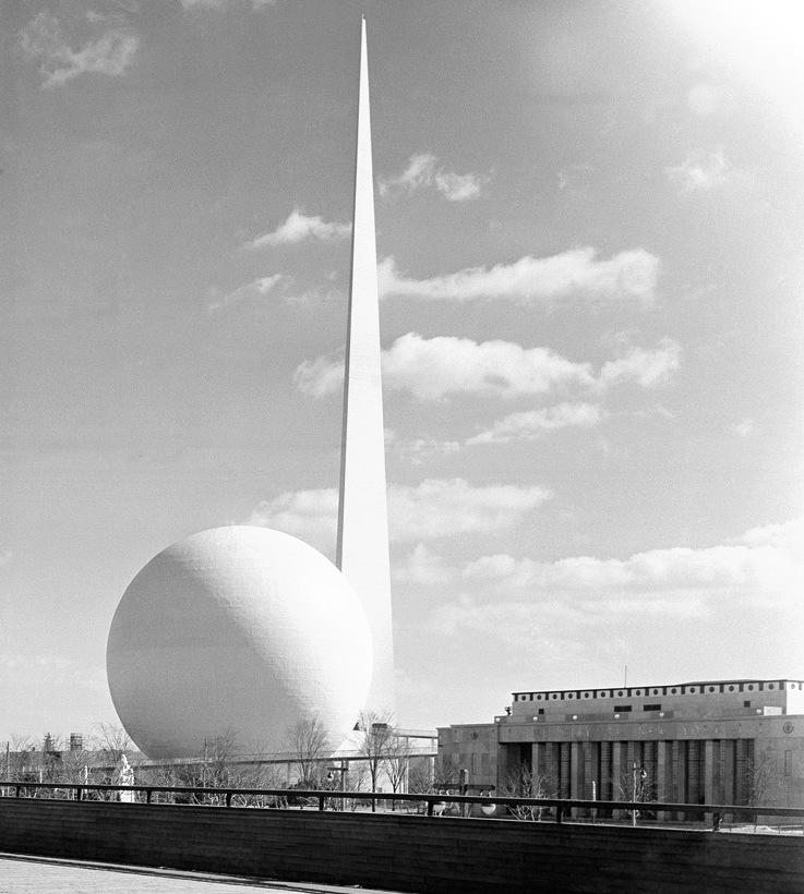 3. The Trylon, the Perisphere and the New York City Pavilion at the New York World's Fair 1939-40, detail (via www.theatlantic.com )