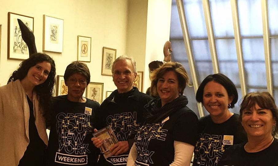 OHNY volunteers with Sascha Davis at the Renee and Chaim Gross Foundation. Photo courtesy of the Gross Foundation.