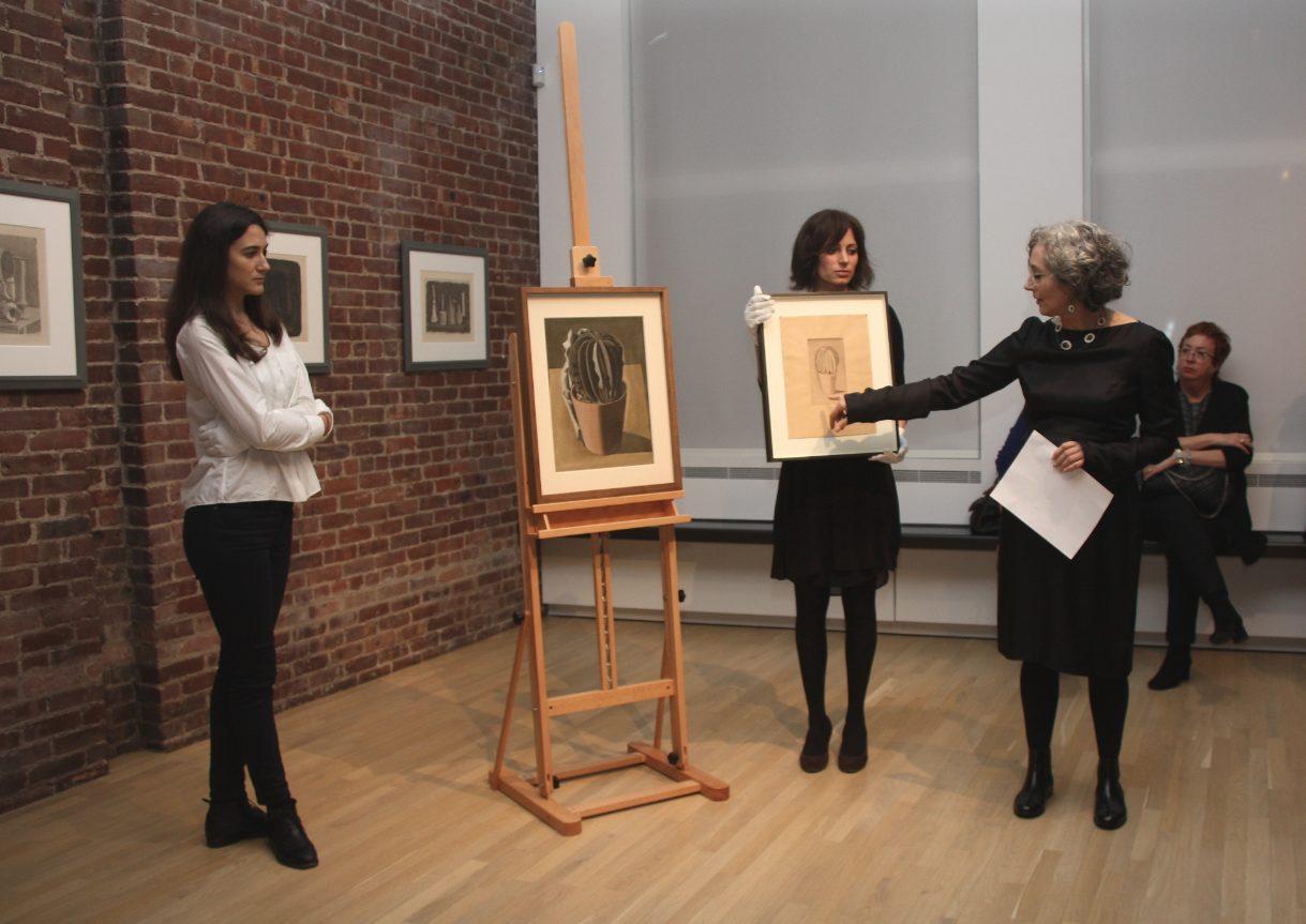 Laura Mattioli discusses Giorgio Morandi's Cactus painting. Photo by Luisa de Luca.